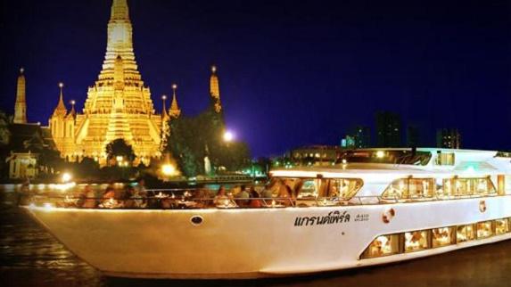 泰國大珍珠號遊船自助晚餐
