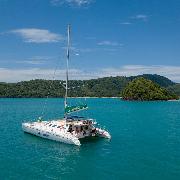【自由號】布吉皇帝島+珊瑚島雙體帆船浮潛一日遊